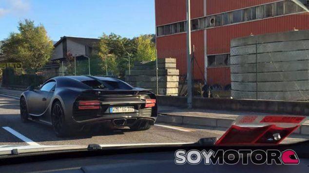 El Bugatti Chiron rodando por carretera en Alemania - SoyMotor