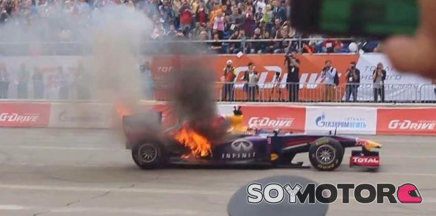 Se incendia un Red Bull RB7 en Rusia