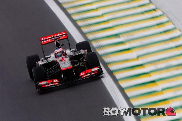 Jenson Button en Brasil, la última carrera de los V8 - LaF1
