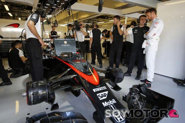 La temporada no ha hecho más que acabar y en McLaren ya solo están centrados en 2016 - LaF1