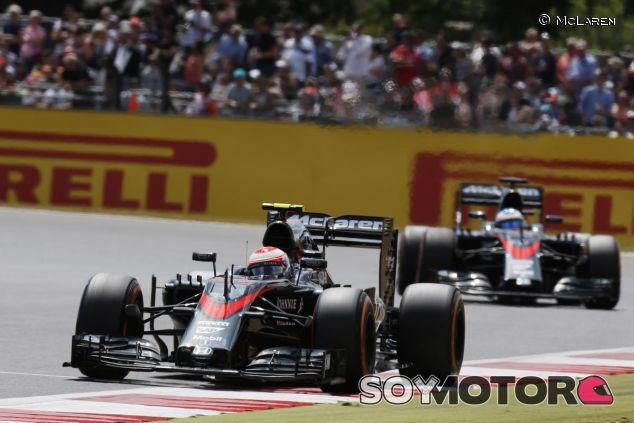 Los dos McLaren-Honda en Silverstone - LaF1.es