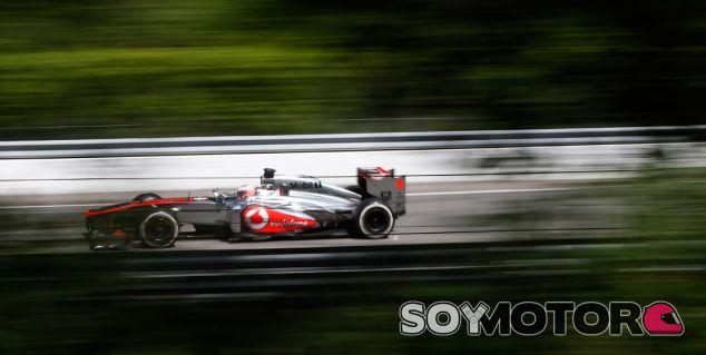 Jenson Button con el McLaren MP4-28 en el GP de Canadá