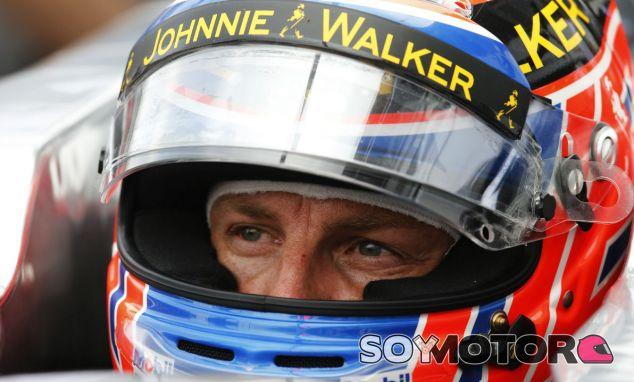 Button confía en continuar en McLaren; el equipo no lo confirma