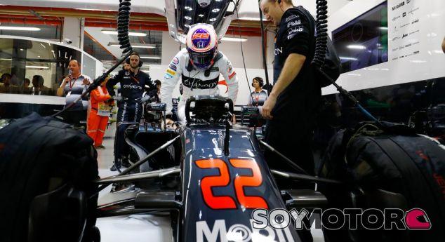 Button en el box de McLaren - LaF1