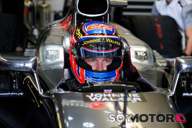 Jenson Button en su McLaren MP4-29 - LaF1