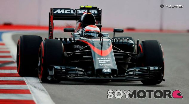 Jenson Button con el MP4-30 - LaF1