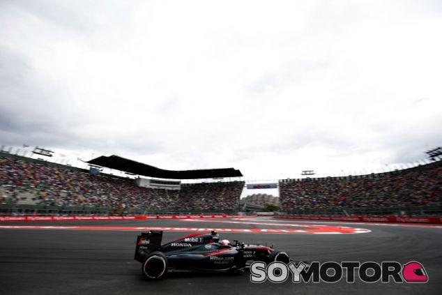 Button se olvida del 2015 y ya piensa en la temporada que viene - LaF1