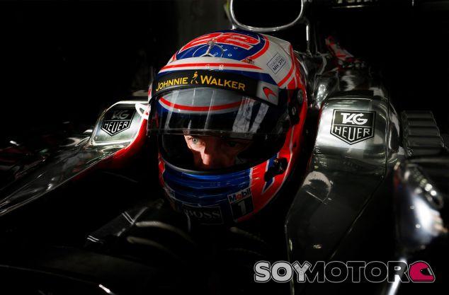 Jenson Button en los entrenamientos libres del GP de Malasia - LaF1