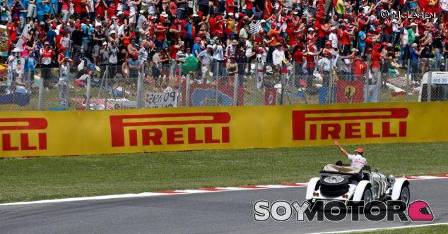 Jenson Button en la Driver's Parade  del GP de Canadá 2013
