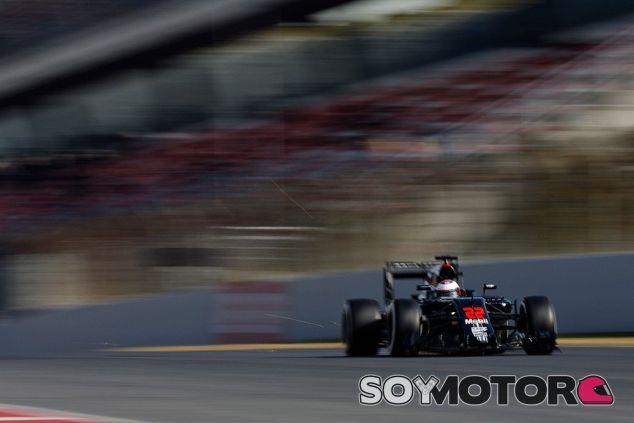 McLaren avisa que no estará al frente de la parrilla en 2016 - LaF1