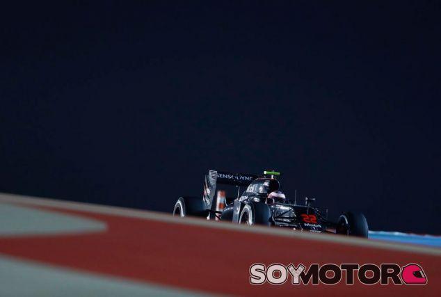 Jenson Button no ha podido juntar una buena vuelta en su último intento - LaF1