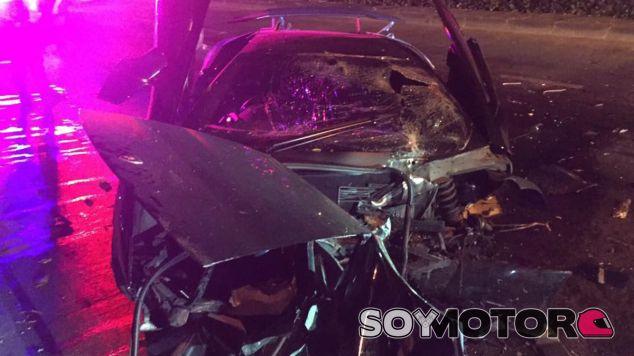 Los daños de su frontal casi impiden reconocer que se trata de un Lamborghini Murciélago SV - SoyMotor