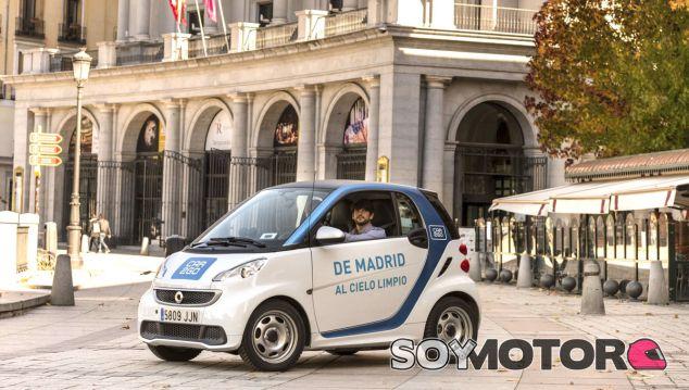 Los Smart ForTwo eléctricos están siendo atacados, sufriendo notables daños - SoyMotor