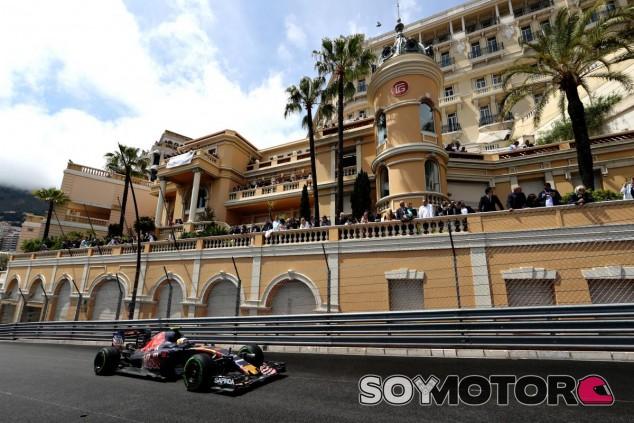 Toro Rosso suma puntos con Sainz y Kvyat abandona - LaF1