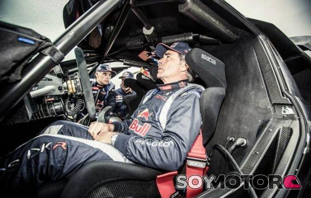 """Carlos Sainz: """"La etapa de hoy era más favorable para los 4x4"""" - LaF1"""