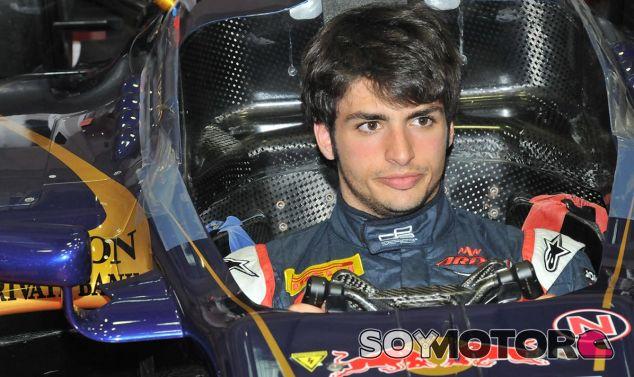 Carlos Sainz Jr y Daniel Ricciardo rodarán con el Red Bull RB7 - LaF1