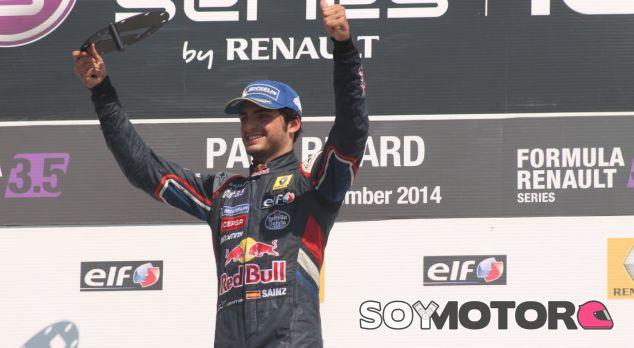 Carlos Sainz gana la primera carrera en Paul Ricard - LaF1.es