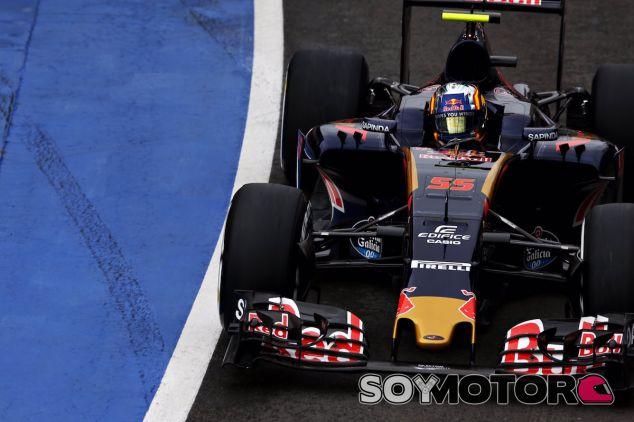 Carlos Sainz durante la carrera en Silverstone - LaF1