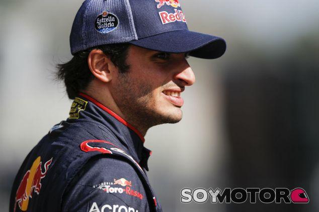 """Sainz, contento pese a las averías: """"Esta F1 me dibuja una sonrisa"""" - SoyMotor"""