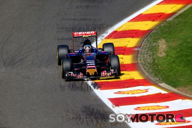 Carlos Sainz en Spa-Francorchamps en 2015 - LaF1