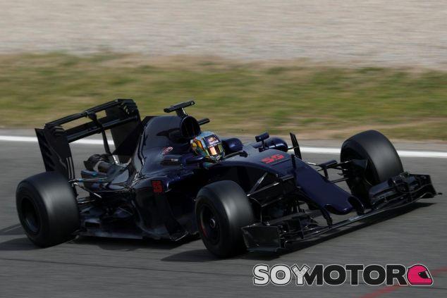 Sainz se ha puesto por primera vez a los mandos del STR11 - LaF1