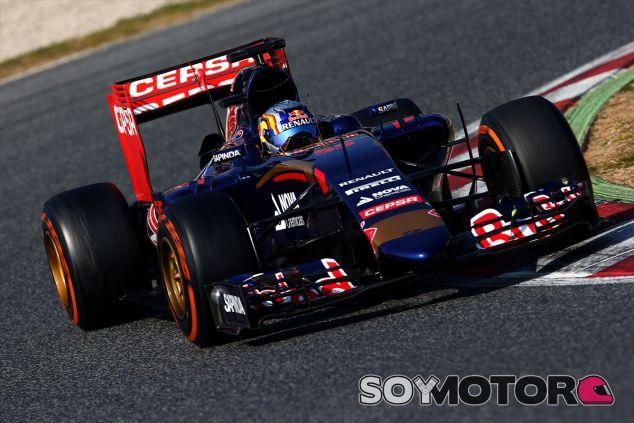 Carlos Sainz al volante del STR11 - LaF1