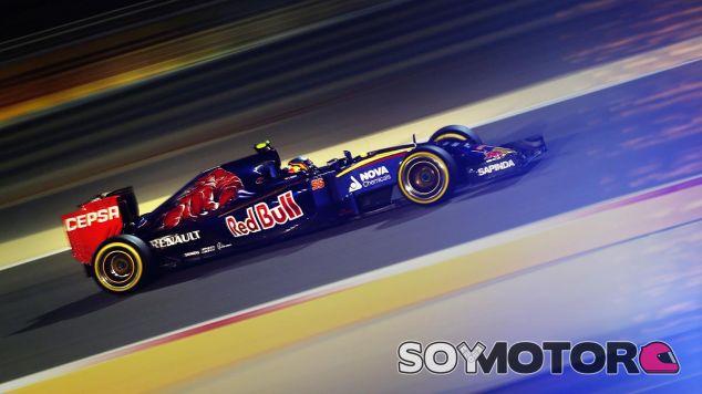 Carlos Sainz en la noche de Baréin - LaF1