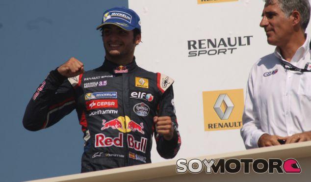 """Sainz: """"No he venido a pensar en el campeonato, sino a ganar carreras"""""""