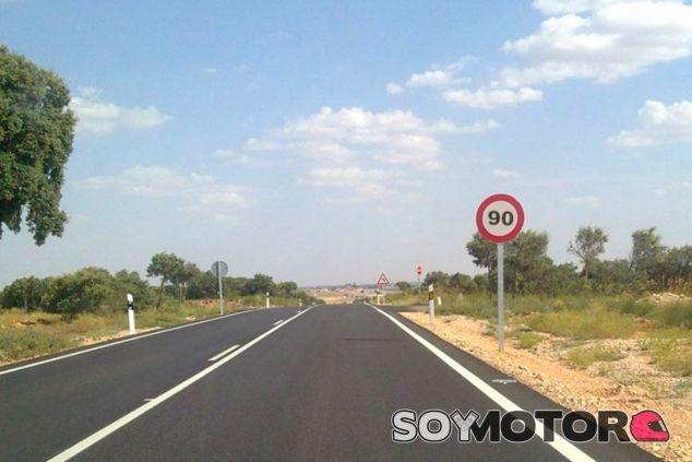La DGT bajará a 90 el límite de velocidad en carreteras secundarias el 2 de enero