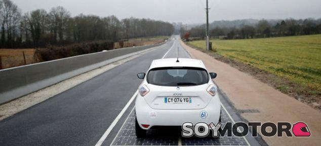 Carretera solar en Francia - SoyMotor.com