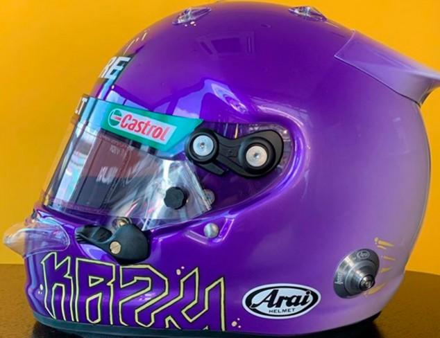 Ricciardo homenajea a Kobe Bryant con su casco para los test - SoyMotor.com