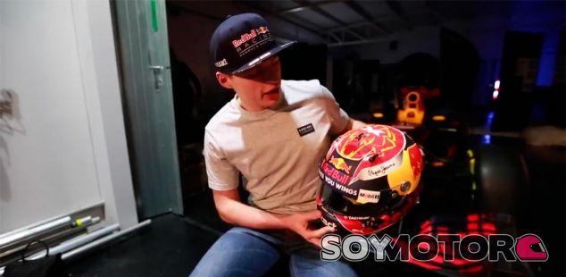 Verstappen presenta el casco con el que competirá en 2017 - SoyMotor.com