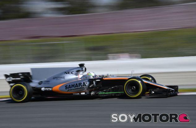 Force India completa más de 300 kilómetros en el tercer día de test - SoyMotor