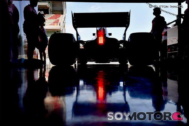 Charles Leclerc en Barcelona - SoyMotor.com