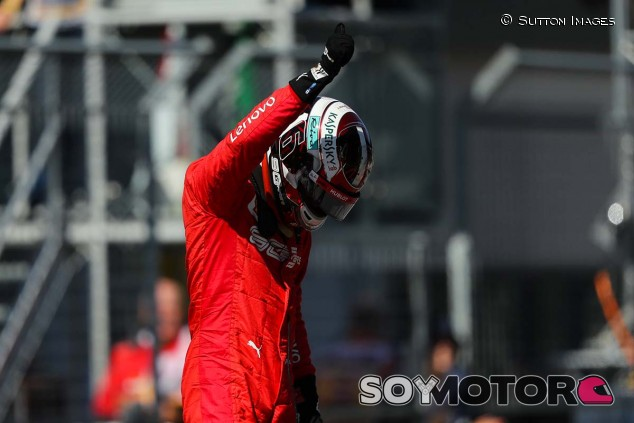 Charles Leclerc celebra su Pole Position en el GP de Austria F1 2019 - SoyMotor