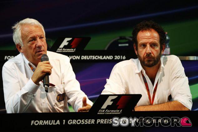 Charlie Whiting en el GP de Alemania esta temporada - SoyMotor
