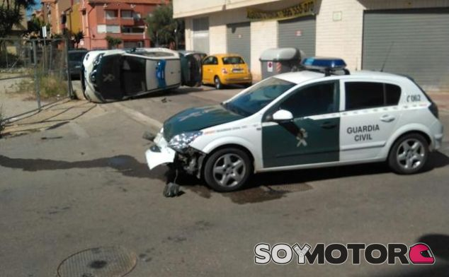 Choque vehículos Guardia Civil - SoyMotor