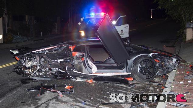 Destrozan el Lamborghini de Chris Brown y se dan a la fuga