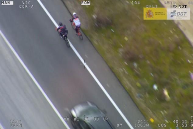 La DGT recuerda que los ciclistas pueden circular en paralelo - SoyMotor.com
