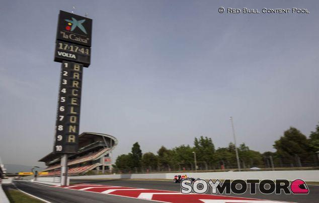 Pierre Gasly prueba con Red Bull en el Circuit de Barcelona-Catalunya - LaF1