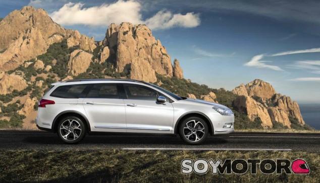 La actual generación del Citroën C5 vive sus últimos coletazos comerciales - SoyMotor