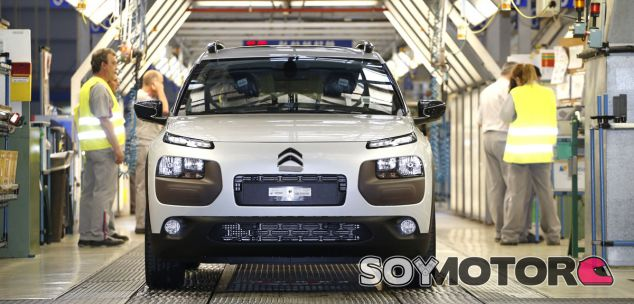 El Citroën C4 Cactus en la línea de producción - SoyMotor