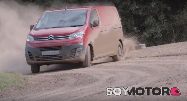 El Citroën Jumpy sometido a un test digno del WRC – SoyMotor.com