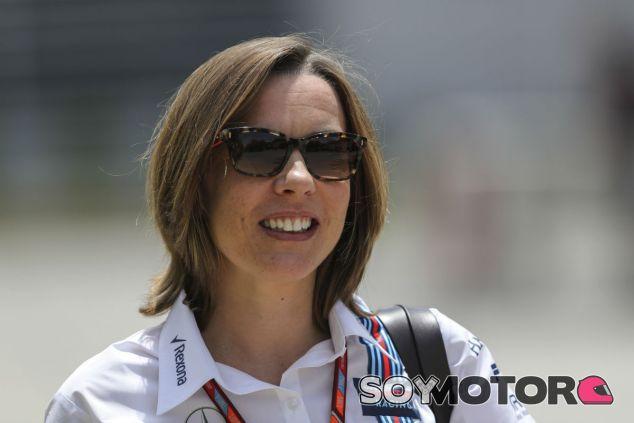 Claire Williams durante el Gran Premio de Baréin 2017 - SoyMotor.com