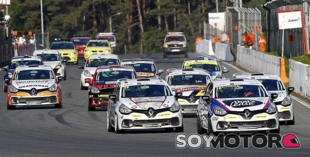 Programa competicion 2017 de Renault Sport - SOymotor