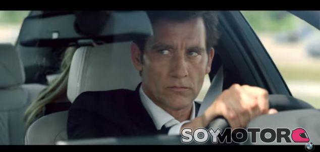 Clive Owen a los mandos del nuevo BMW 540i en 'The Escape' - SoyMotor.com