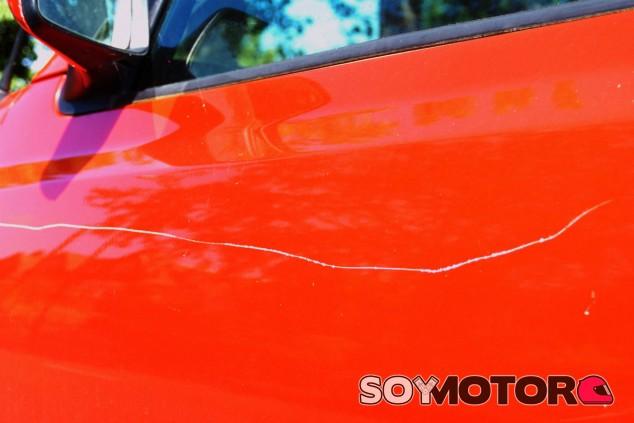 El anciano acusado de rayar coches en Vigo queda absuelto - SoyMotor.com