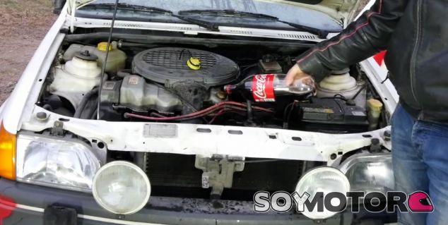 ¿Vale la Coca-Cola como aceite de coche? -Soymotor