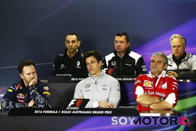 Abiteboul, Boullier y Haas en la fila de arriba, Horner, Wolff y Arrivabene en la de abajo - LaF1