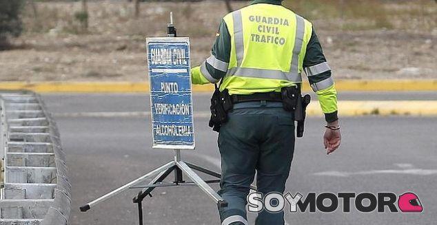 Control de alcoholemia de la Guardia Civil - SoyMotor.com